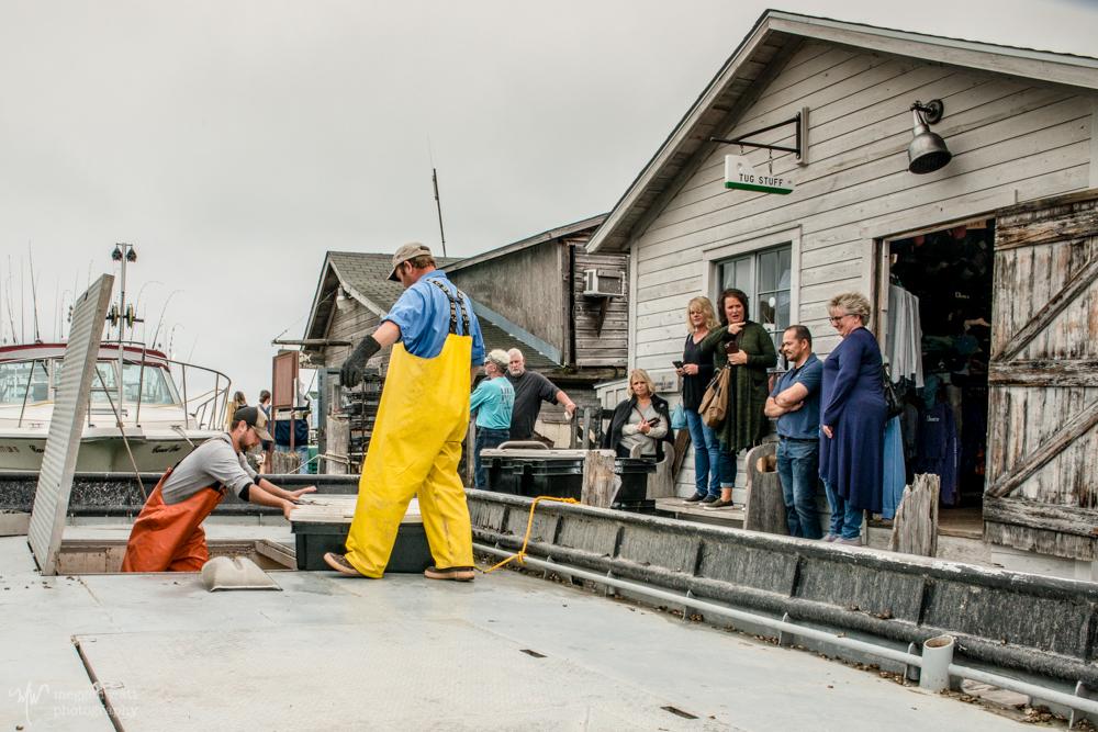 Fishtown Joy Offloading Fish-3841