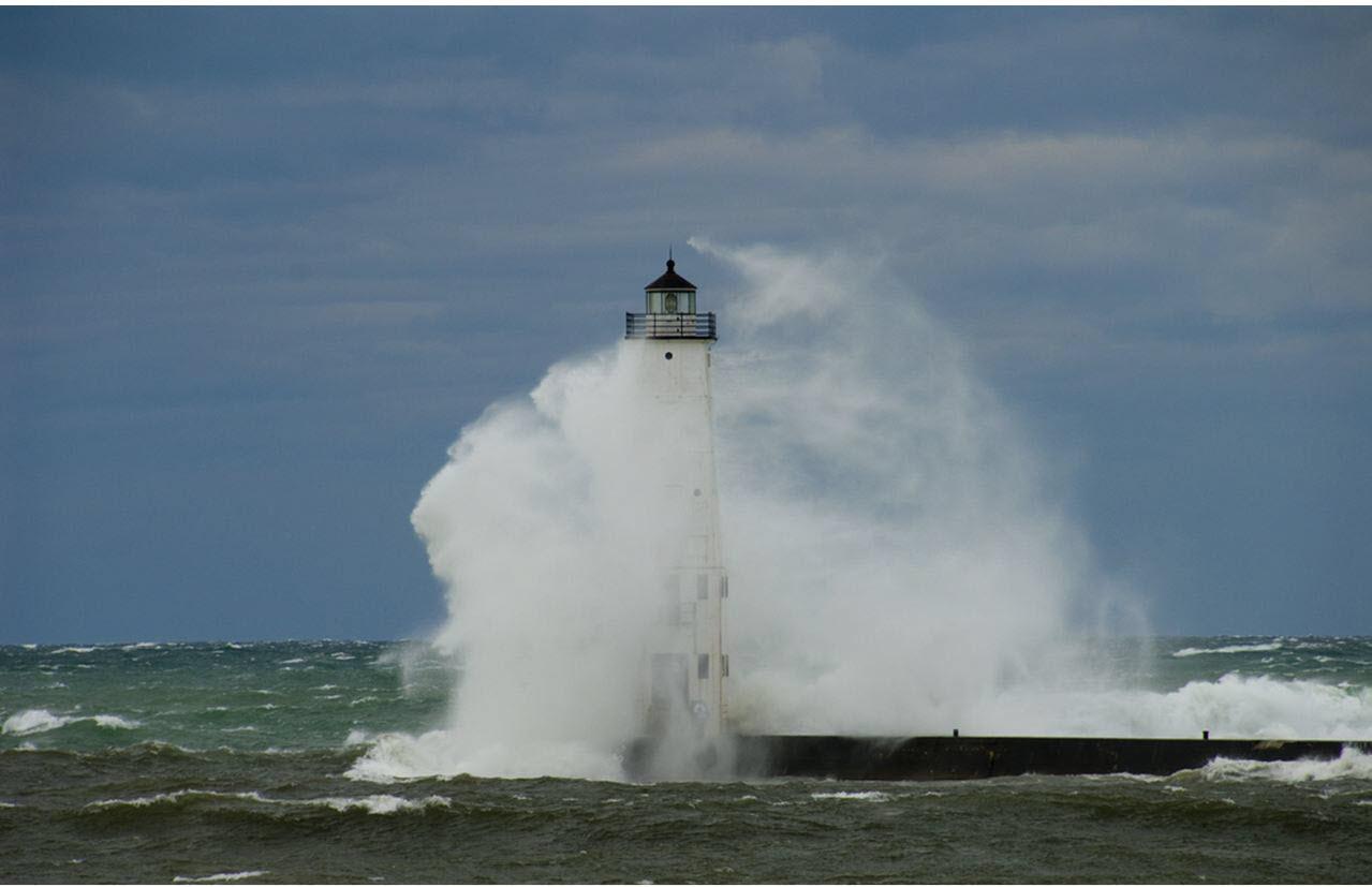 Frankfort Storm Lighthouse  (2)